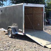 Remorque fermée en aluminium 6x12 charcoal porte rampe Cargo Express AX hauteur 6'
