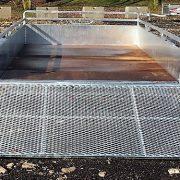 Remorque Remeq 5x10 2x2500 lbs côtés 17.5 po en acier galvanisé avec porte rampe