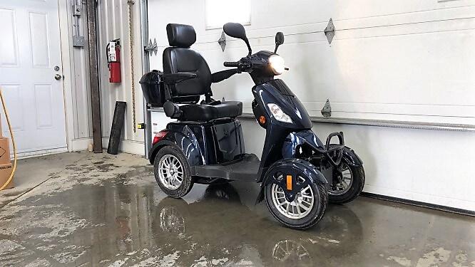 Quadriporteur Rickshaw 4X 60 volts 500 watts Bluetooth bleu