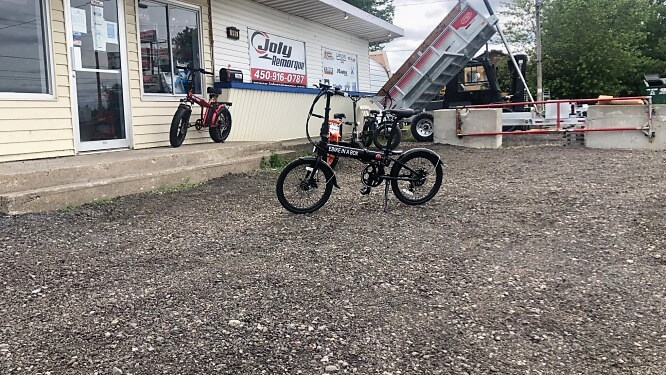Vélo électrique ebikeineabox Daymak 36 volts 250 watts noir 41 lbs